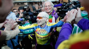 102-year-old-cyclist-worldrecord_2-1-2014_136264_l