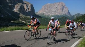 _48726205_cyclists_464